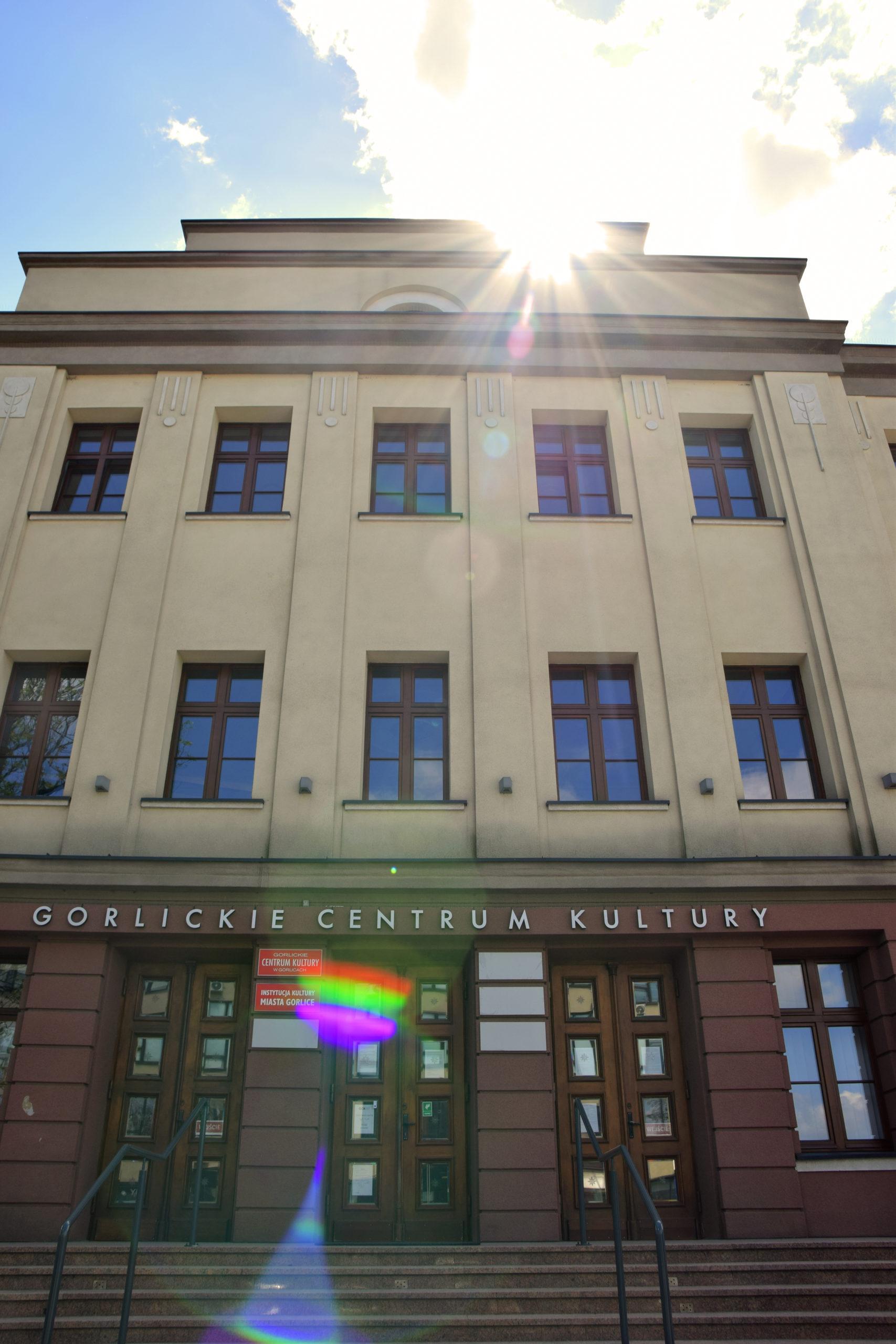 Zdjęcie ilustrujące front Gorlickiego Centrum Kultury.