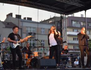 artyści występujący podczas koncertu