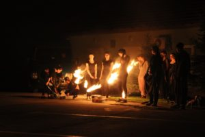 Teatr Eksperymentalny ERGO podczas występu wStróżach