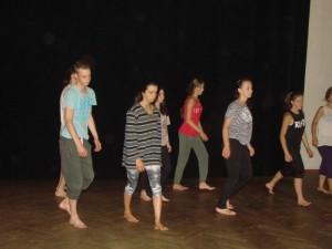 Próby teatralne połączone zwarsztatami aktorsko - tanecznymi