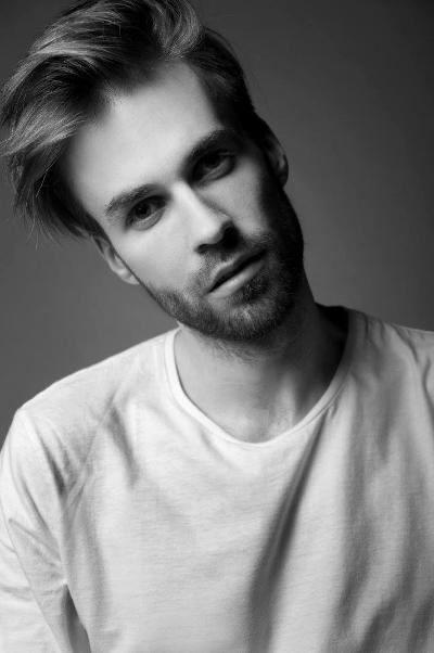 Instruktor tańca Paweł Łyskawa